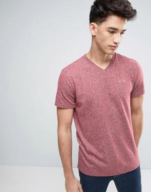 Hollister Узкая бордовая футболка с вышивкой логотипа. Цвет: красный