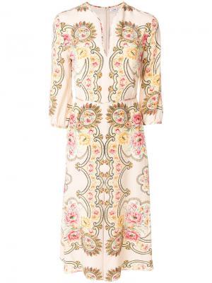 Платье шифт миди с узором Vilshenko. Цвет: телесный