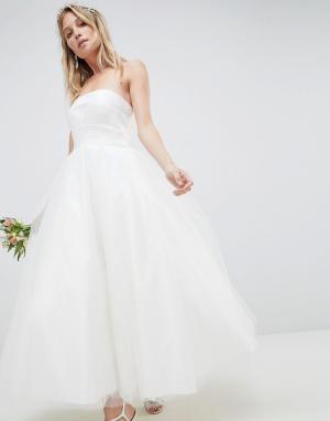 ASOS Edition Платье-бандо миди для выпускного. Цвет: белый