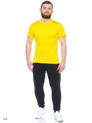 Футболка муж. CORE TEE Adidas. Цвет: горчичный