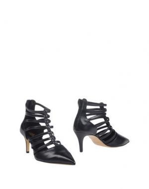 Полусапоги и высокие ботинки 8. Цвет: черный
