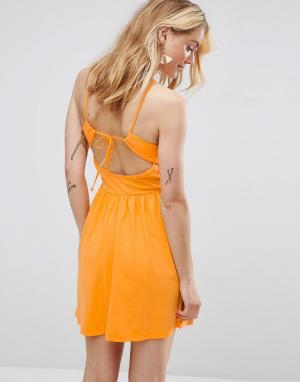 ASOS Короткий приталенный сарафан с ремешками на спине. Цвет: оранжевый