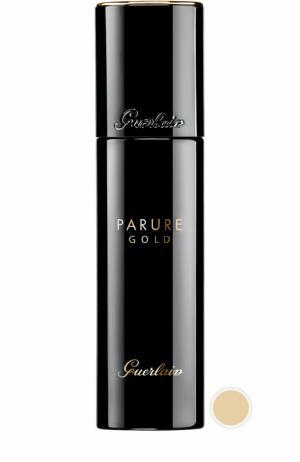 Тональное средство Parure Gold, оттенок 31 Амброво-бежевый Guerlain. Цвет: бесцветный