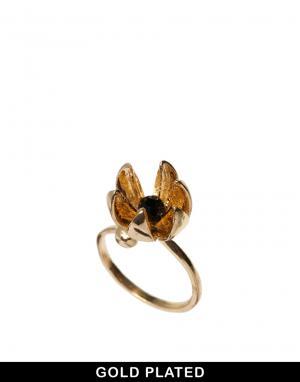 Позолоченное кольцо с цветочной подвеской And Mary. Цвет: золотой