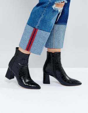 Raid Черные полусапожки на каблуке с крокодиловым узором Sapphire. Цвет: черный