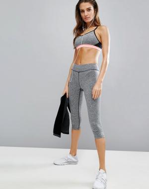 Elle Sport Спортивные капри. Цвет: серый
