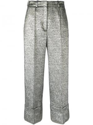 Укороченные брюки с эффектом металлик Racil. Цвет: металлический