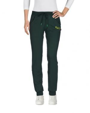 Повседневные брюки CARLSBERG. Цвет: темно-зеленый