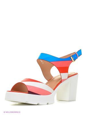 Босоножки на каблуке Daze. Цвет: белый, красный, синий