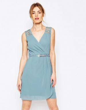 Uttam Boutique Платье с ремнем и ажурной отделкой. Цвет: синий