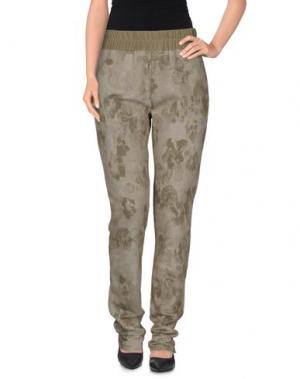 Повседневные брюки TRUST TOILETTE. Цвет: зеленый-милитари