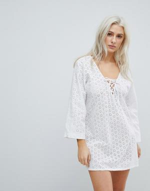Liquorish Пляжное платье. Цвет: белый