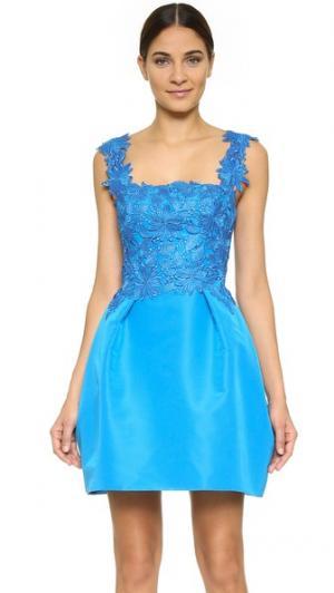 Комбинированное платье без рукавов с широкой юбкой Monique Lhuillier. Цвет: голубой