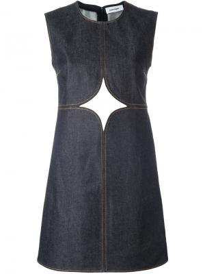 Джинсовое платье с декоративными вырезами Courrèges. Цвет: синий