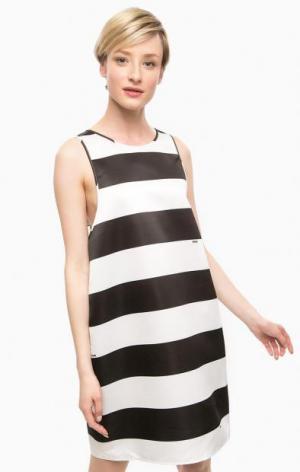 Платье в полоску свободного кроя POIS. Цвет: черный