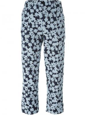 Укороченные брюки с цветочным принтом Julien David. Цвет: синий