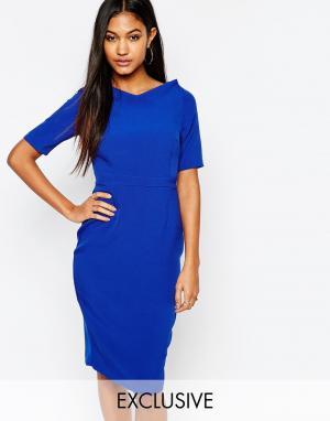 Vesper Платье-футляр с рукавами 3/4 и V-образным вырезом. Цвет: синий