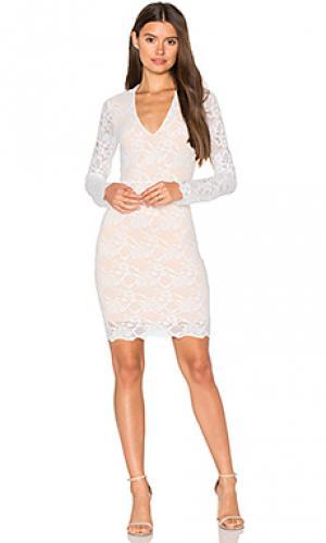 Кружевное платье с v-образным вырезом wisteria Nightcap. Цвет: белый