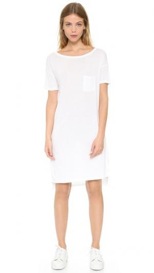 Классическое платье с приспущенными плечами и карманом T by Alexander Wang. Цвет: белый