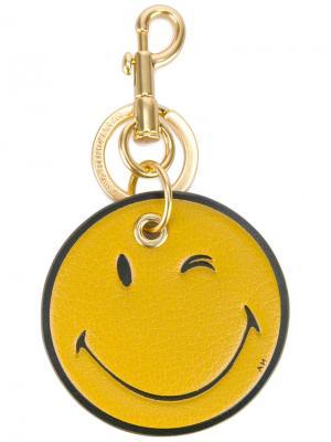 Брелок в виде смайла Anya Hindmarch. Цвет: жёлтый и оранжевый