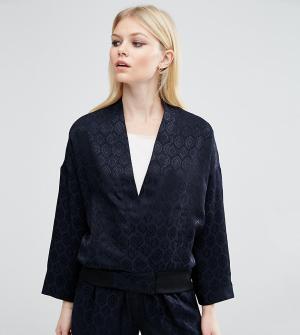 ASOS Petite Комбинируемая жаккардовая куртка-пилот в пижамном стиле Lu. Цвет: темно-синий