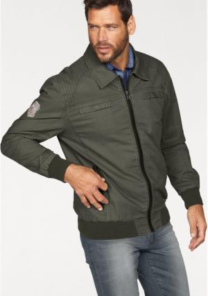 Куртка Arizona. Цвет: оливково-зеленый