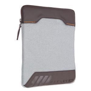 Чехол для планшетника  Halifax Sleeve Dark Sienna None Oakley. Цвет: серый,коричневый