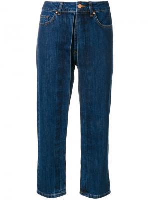Укороченные джинсы с декоративной плиссировкой Aalto. Цвет: синий
