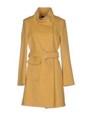Пальто CARLA MONTANARINI. Цвет: охра