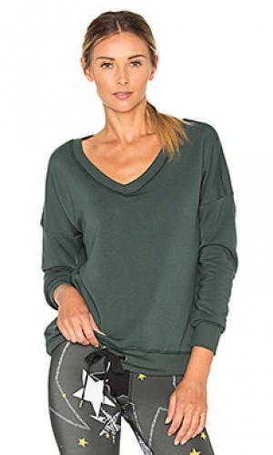 Пуловер из мягкого флиса в рубчик Beyond Yoga. Цвет: темно-зеленый