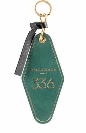 Кожаный брелок для ключей с логотипом бренда Balenciaga. Цвет: зеленый