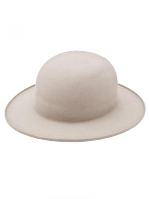 Круглая шляпа Gladys Tamez Millinery. Цвет: телесный