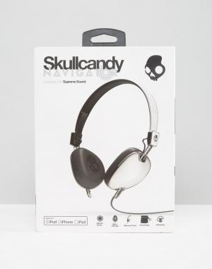 Skull Candy Черно-белые наушники с микрофоном Skullcandy Navigator. Цвет: белый