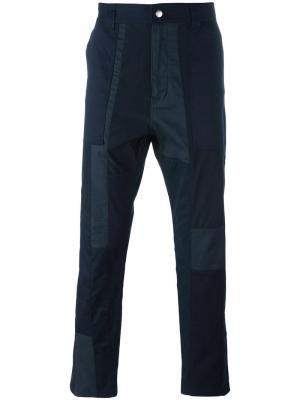 Зауженные брюки White Mountaineering. Цвет: синий