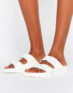 Birkenstock Белые сандалии Arizona. Цвет: белый