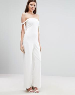 Lavish Alice Комбинезон с широким вырезом и завязками. Цвет: белый