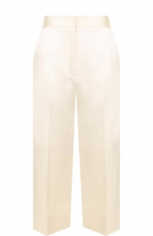 Шелковые укороченные брюки со стрелками Victoria Beckham. Цвет: бежевый