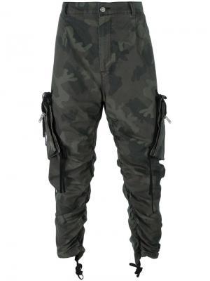Камуфляжные брюки карго 424 Fairfax. Цвет: зелёный