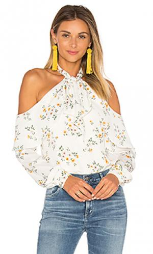 Блуза с открытыми плечами и завязкой на шее LAcademie L'Academie. Цвет: белый