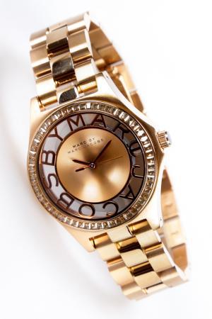 Часы Marc Jacobs. Цвет: rose gold