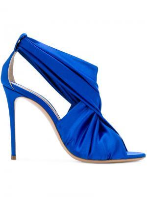Босоножки с драпировкой Casadei. Цвет: синий