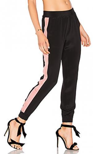 Шелковые брюки LAcademie L'Academie. Цвет: черный