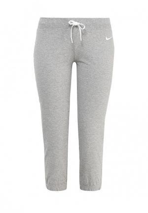 Капри Nike. Цвет: серый