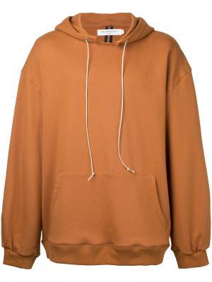 Худи с накладным карманом спереди Mr. Completely. Цвет: коричневый