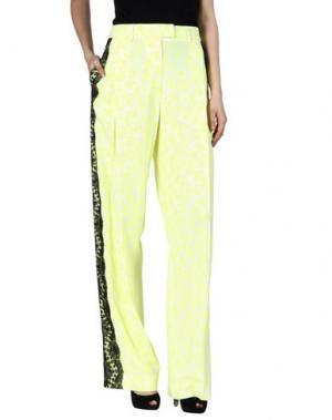 Повседневные брюки CHRISTOPHER KANE. Цвет: желтый