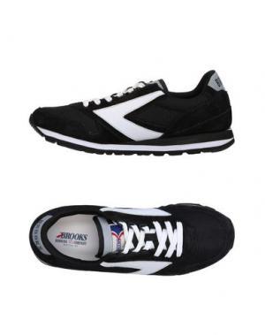 Низкие кеды и кроссовки BROOKS. Цвет: черный