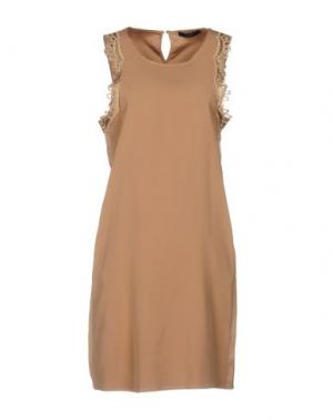 Короткое платье G.SEL. Цвет: верблюжий