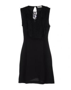 Короткое платье VICOLO. Цвет: черный