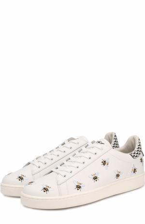 Кожаные кеды на шнуровке с вышивкой MOA. Цвет: белый
