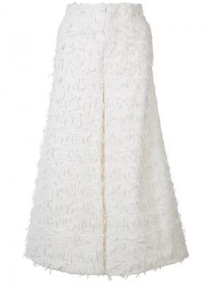 Текстурные укороченные джинсы Co. Цвет: белый
